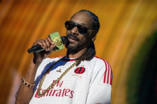 Image of Snoop Dogg via stedalle/Shutterstock