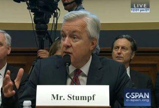 stumpf-hearing-closeup
