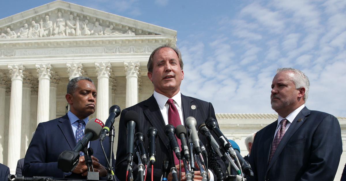 Supreme Court rejects Texas lawsuit against battleground states