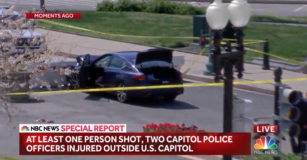 Vehicle  rams barricade at US Capitol, two officers injured, driver shot