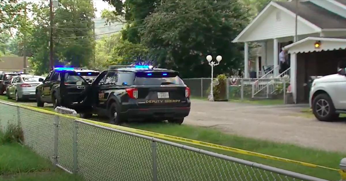 Deputies investigating apparent double-murder-suicide in West Virginia