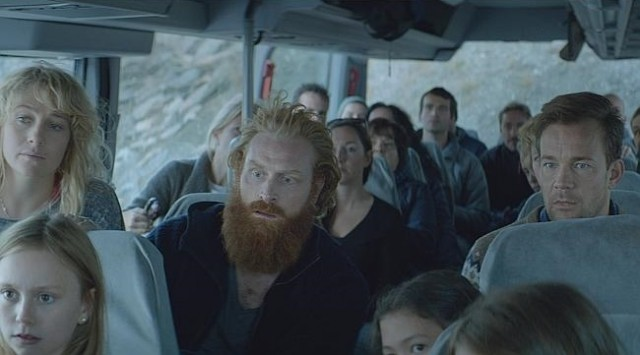 clairestbearestreviews_filmreview_forcemajeure_busride1