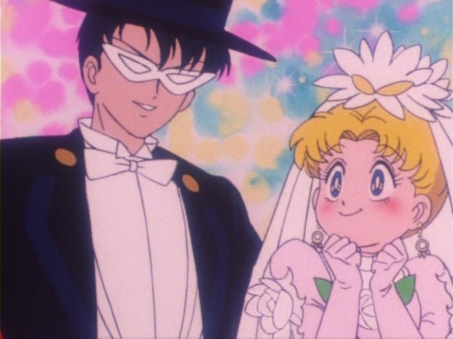 sailor_moon_episode_16_tuxedo_mask_and_usagi_getting_married
