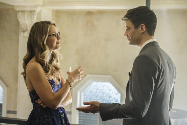 """image: Bettina Strauss/The CW Supergirl -- """"Crisis on Earth-X, Part 1"""" -- Pictured (L-R): Melissa Benoist as Kara and Grant Gustin as Barry Allen -- © 2017 The CW Network, LLC. All Rights Reserved"""