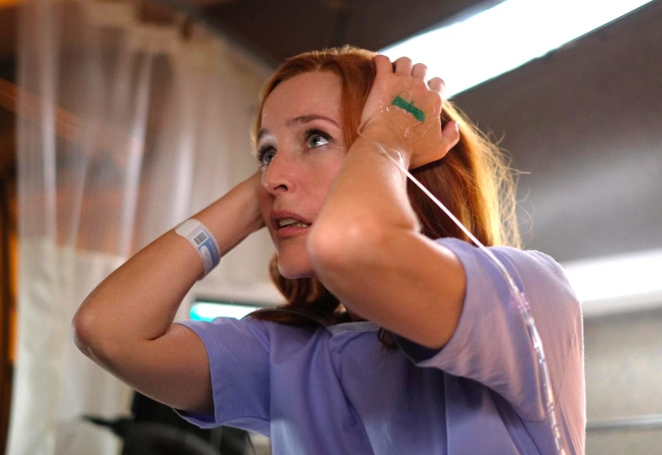 "Scully in X-Files Season 11 premiere ""My Struggles III"""