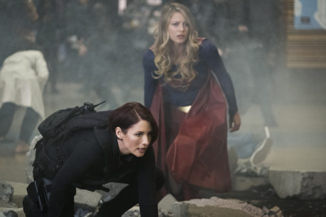"""image: Katie Yu/The CW Supergirl -- """"Both Sides Now"""" -- Pictured (L-R): Chyler Leigh as Alex and Melissa Benoist as Kara/Supergirl -- © 2018 The CW Network, LLC. All Rights Reserved."""