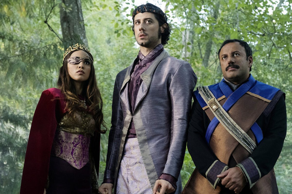 Summer Bishil as Margo Hanson, Hale Appleman as Eliot Waugh, Rizwan Manji as Tick Pickwick in The Magicians episode Poached Eggs