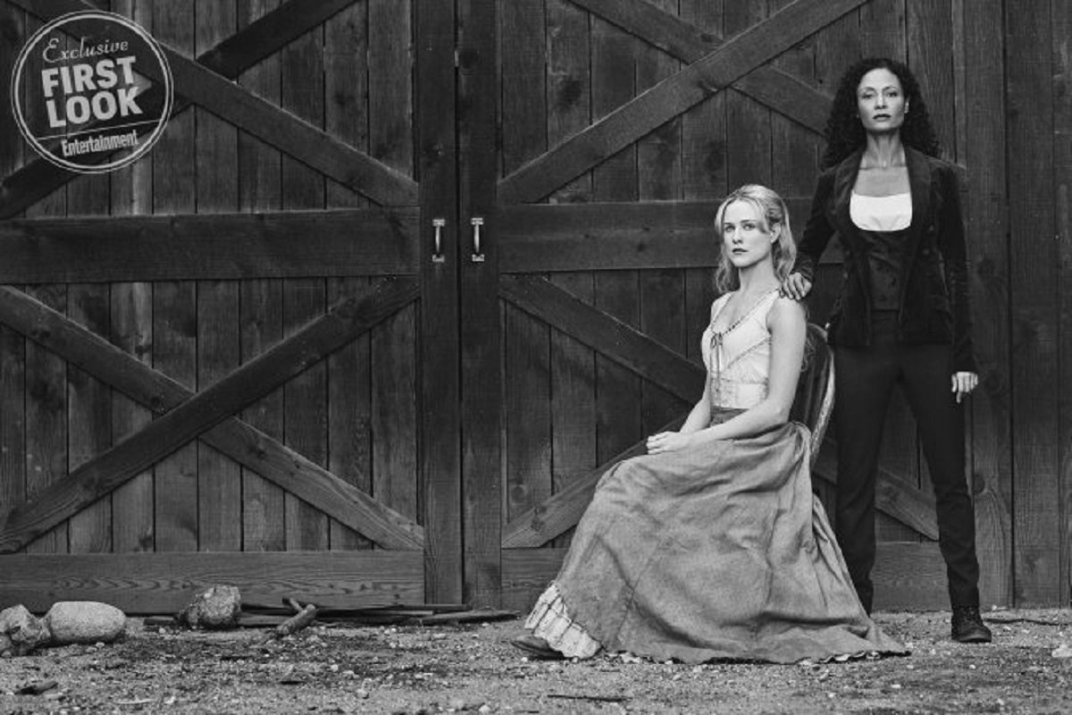 Evan Rachel Wood as Dolores and Thandie Newton as Maeve on HBO's Westworld