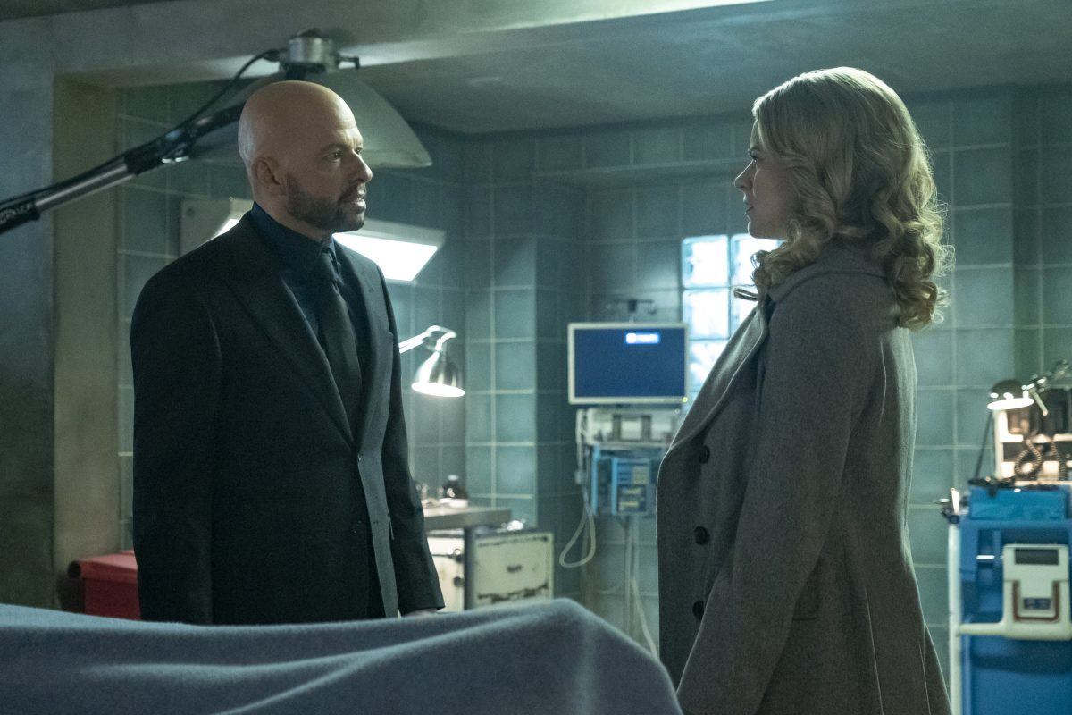 Eve Tessmacher and Lex Luthor talk on The CW's Supergirl.