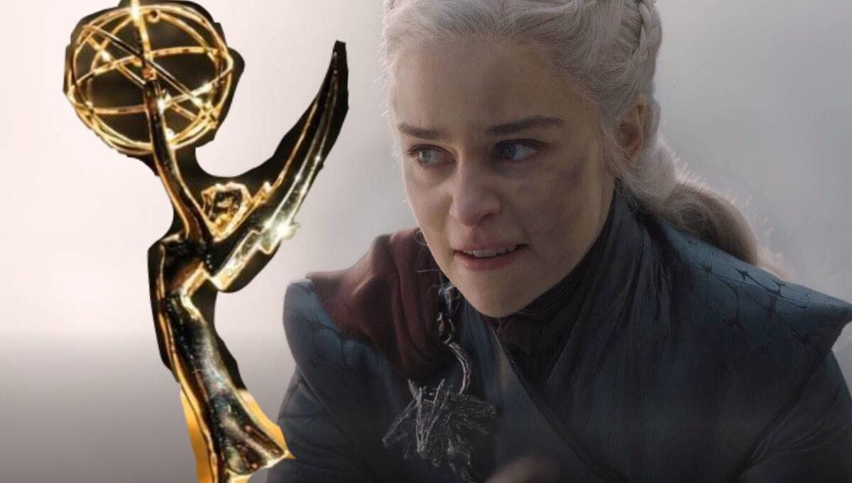 Dany looks aangrily at an emmy