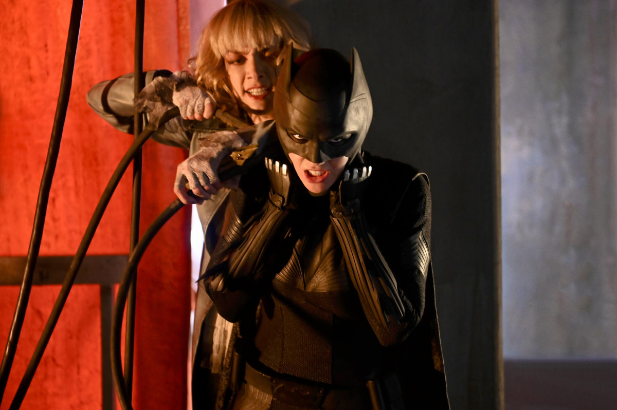 Pictured (L-R): Rachel Skarsten as Alice and Ruby Rose as Kate Kane/Batwoman -- Photo: Kimberley French/The CW