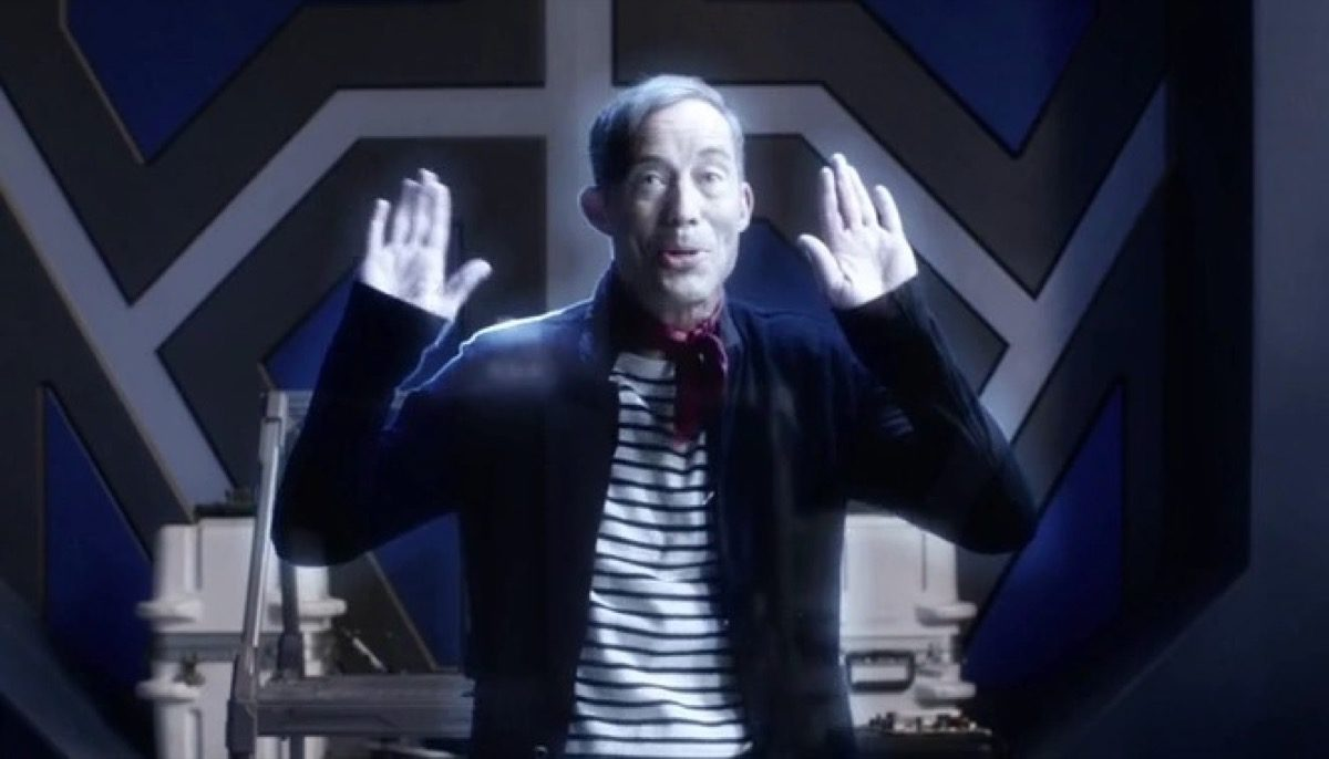 Harrison Wells miming on The Flash.