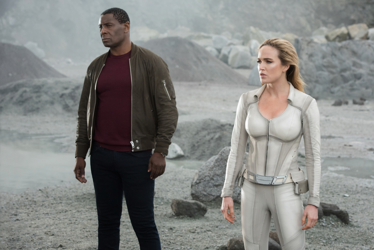 """Arrow -- """"Crisis on Infinite Earths: Part Four"""" -- Image Number: AR808A_0100r.jpg -- Pictured (L-R): David Harewood as Hank Henshaw/J'onn J'onzz and Caity Lotz as Sara Lance/White Canary -- Photo: Dean Buscher/The CW -- © 2019 The CW Network, LLC. All Rights Reserved."""