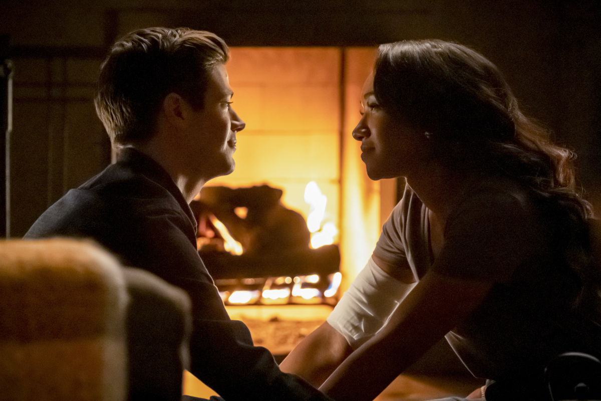 "The Flash -- ""Marathon"" -- Image Number: FLA610b_0239b.jpg -- Pictured (L-R): Grant Gustin as Barry Allen and Candice Patton as Iris West - Allen -- Photo: Katie Yu/The CW -- © 2019 The CW Network, LLC. All Rights Reserved."
