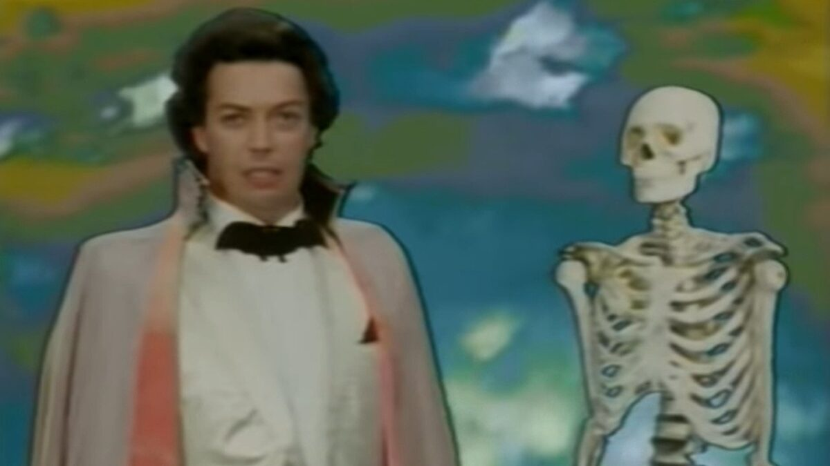 tim curry serenades a skeleton in the worst witch