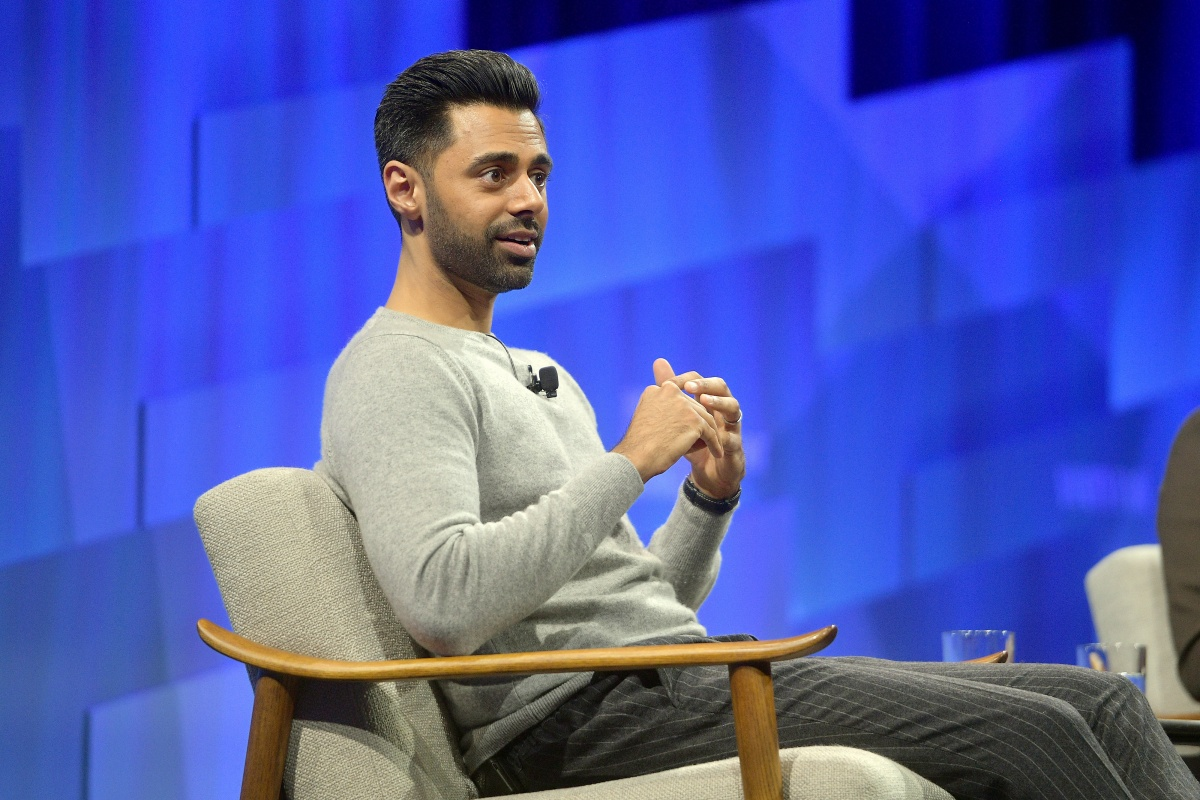 Vanity Fair's 6th Annual New Establishment Summit - Day 1 BEVERLY HILLS, CALIFORNIA - OCTOBER 22: Hasan Minhaj speaks onstage during 'The Stand-Up Citizen' at Vanity Fair's 6th Annual New Establishment Summit at Wallis Annenberg Center for the Performing Arts on October 22, 2019 in Beverly Hills, California. (Photo by Matt Winkelmeyer/Getty Images for Vanity Fair)
