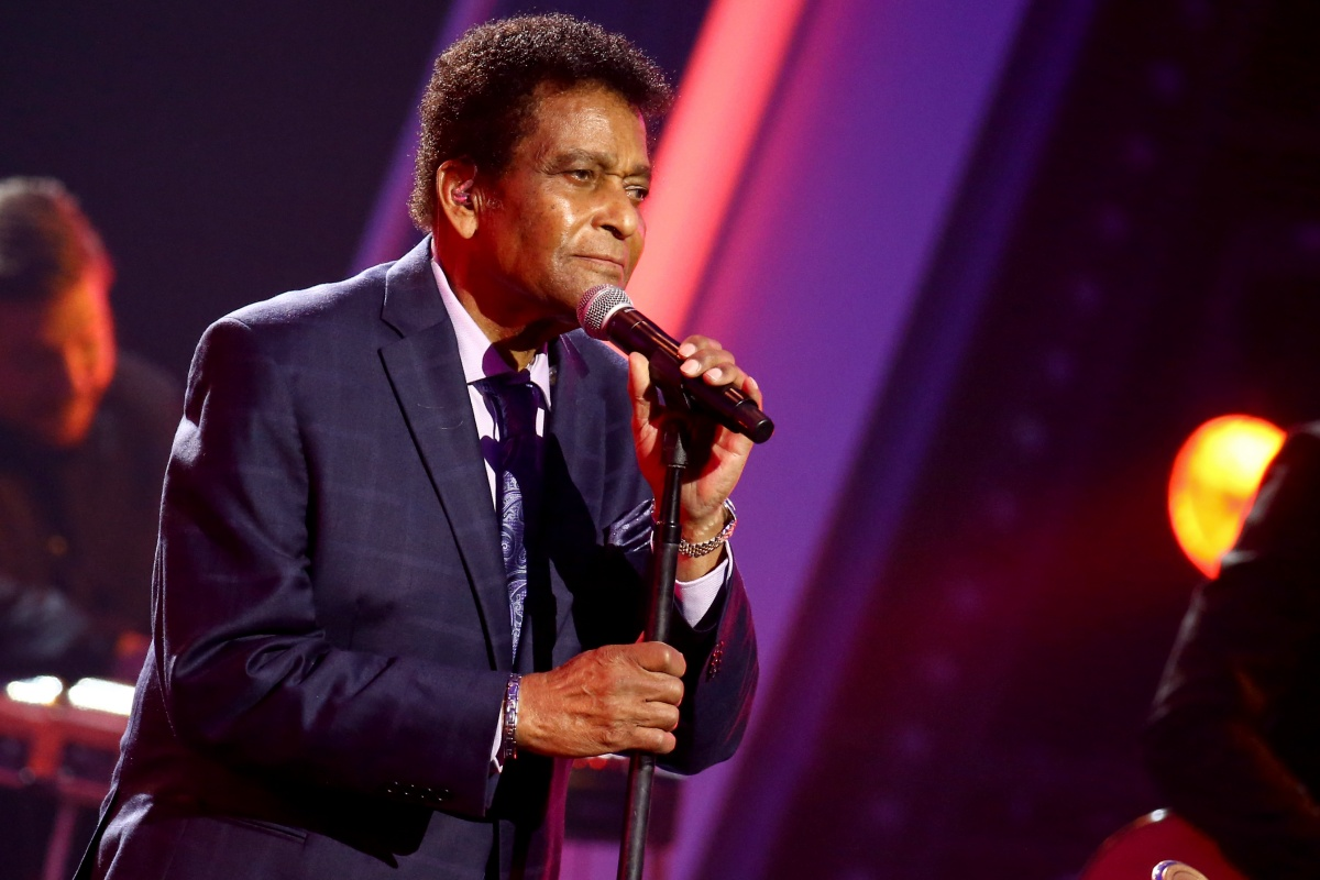 Tributes paid to Charley Pride