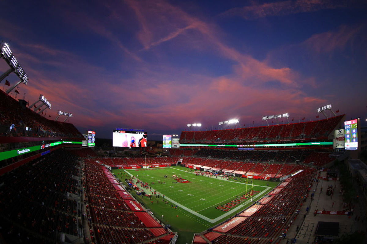 A general view of the game in the second quarter between the Kansas City Chiefs and the Tampa Bay Buccaneers at Raymond James Stadium on November 29, 2020 in Tampa, Florida.