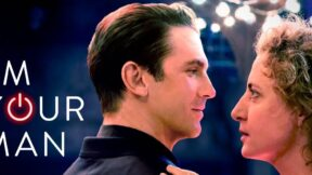 I'm your man trailer still with the two leads face to face.